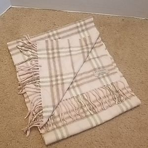 Burberry 100 % CashmereMade in England Scarf